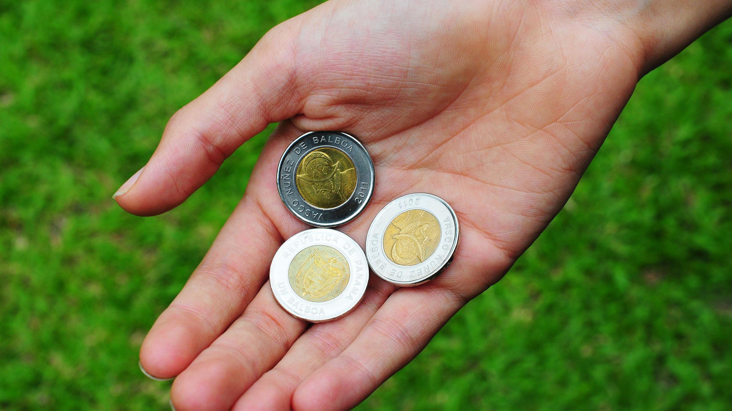 balboa dolar panama moneda